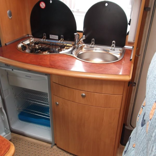 Hobby T550 FS Ford 5,5 mtr Compact Camper