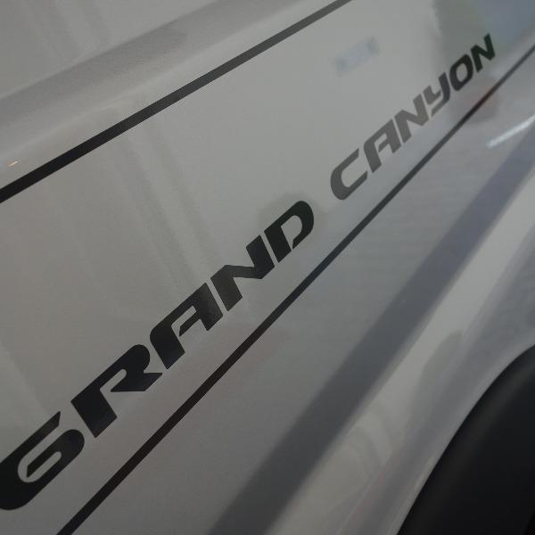 Hymer Grand Canyon, automaat, 6 mtr, bj 2018, 10.000 km, 150 pk, met. grijs