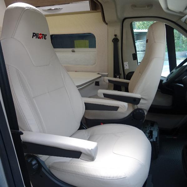 Pilote V630, buscamper, 6,4 mtr, langsbedden, 2019, 8 dkm